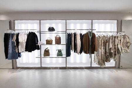 東京・青山のタトラス直営店が超進化。世界でただ1着のダウンを手に入れるカスタム体験、してみない? 5枚目の画像