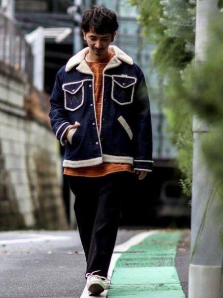 王道のランチコートは配色で落ち着かせるのが今の気分