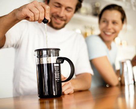 コーヒーを誰でも手軽に淹れられる抽出法、それがフレンチプレス 2枚目の画像