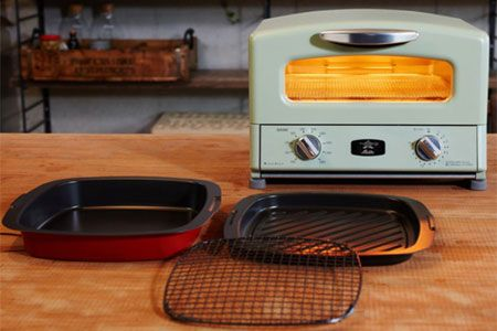 付属のトレーを使えば、何でも焼ける、蒸せる、炊けるし煮られる