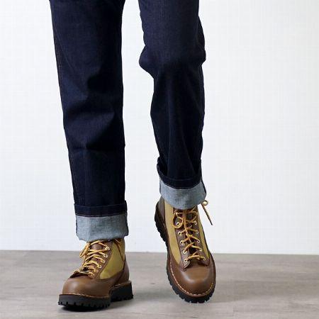 米国製らしい重厚さをも備えた、完成されたブーツデザインだから