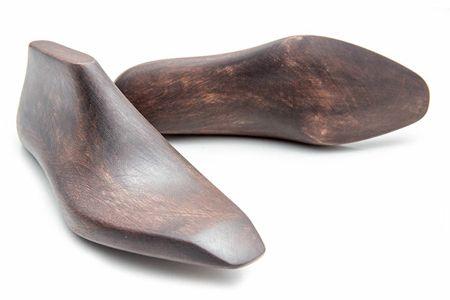 長い歴史で培われた日本人の足に合ったラスト