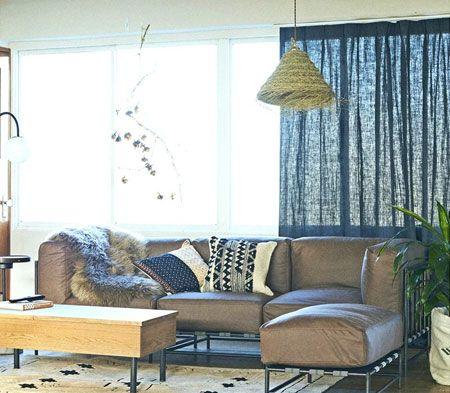 ▼ポイント1:ゆったりサイズのソファを主役に心地良いリラックス感を演出
