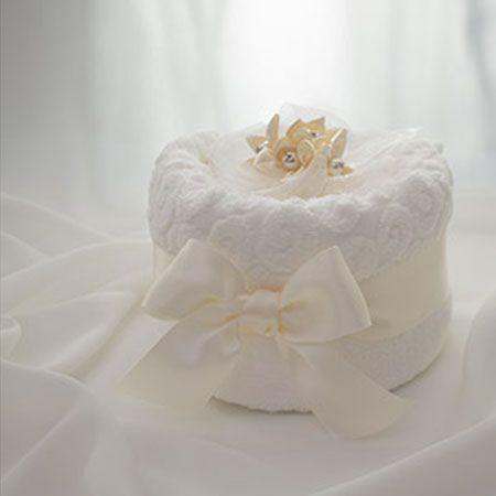 男同士での結婚祝いや出産祝いって、何を贈れば良いか悩みますよね