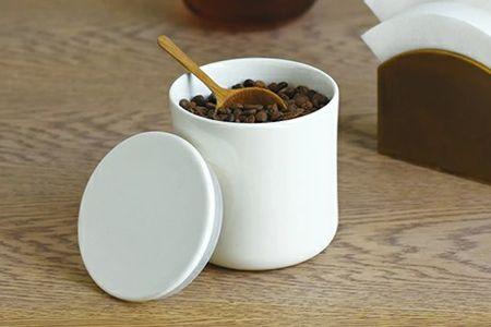 コーヒーキャニスターの存在が、1杯のコーヒーをよりおいしく導いてくれる