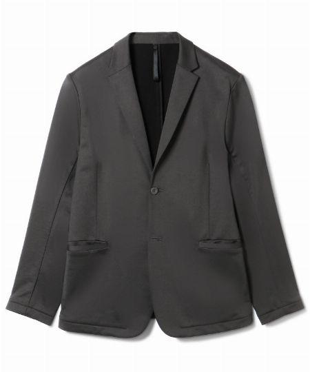 「度詰めナイロン裏毛」のジャケット&パンツ