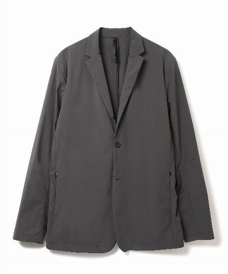 「フェザーウェイト リ・タフタ生地」のジャケット&パンツ