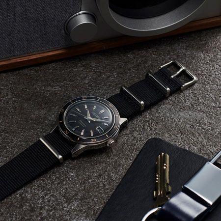 心許ない夏の腕元は、リアルヴィンテージ感満点の機械式時計に頼りたい 3枚目の画像