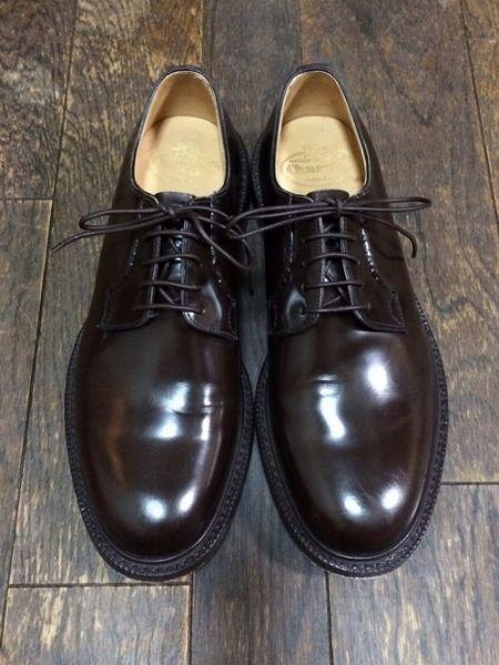 プレーントゥに迷ったら。かのボンドも愛した銘靴、『チャーチ』の「シャノン」を