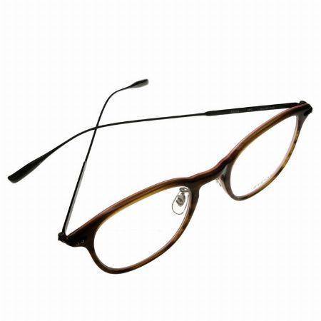 職人の技術と最先端のトレンドの融合で魅せる『アイヴァン』のメガネ