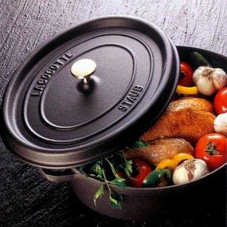 『ストウブ』の鍋を使い始める前に必要な工程。シーズニングの方法を知る