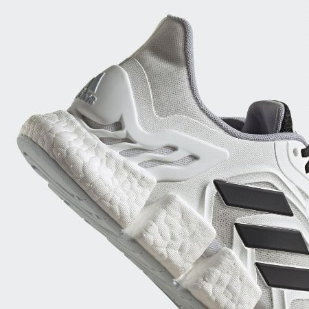 ▼シリーズ5:靴内の快適に保つ「クライマクール ベント」 3枚目の画像