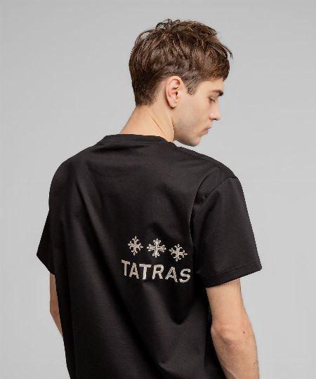 高級感と大人ストリートなエッセンス。『タトラス』のTシャツを夏コーデの主役に 2枚目の画像