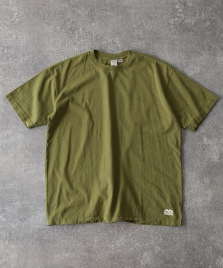 Tシャツを選ぶ前に。カーキ色のトーンの違いについて知っておく 2枚目の画像
