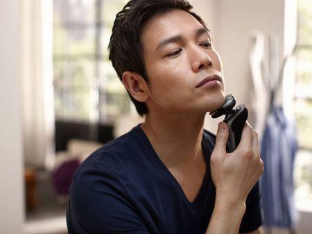 ひげの濃さや顔の輪郭を感知する先進の「SkinIQテクノロジー」