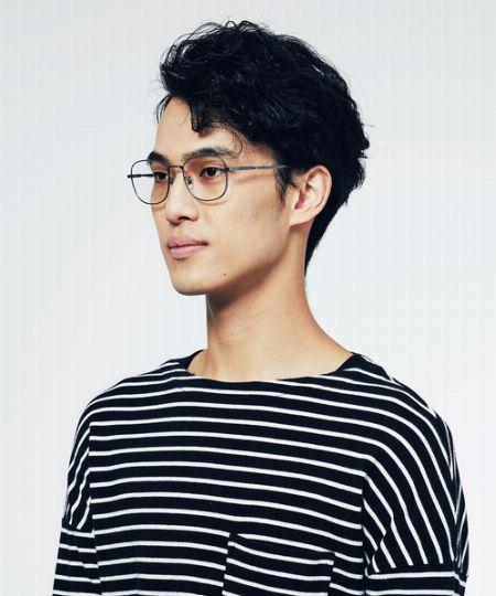 メタルフレームのメガネはこんな人におすすめです
