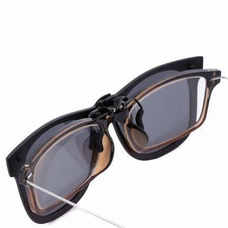 メガネに装着してもナチュラルでおしゃれな見た目をキープ