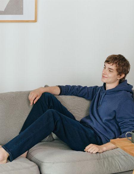 まさによりどりみどり。豊作すぎるユニクロのジーンズで大人の装いをアップデートする 2枚目の画像