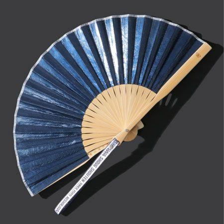 『イッカ』ギャラクシー扇子/3,520円(税込)