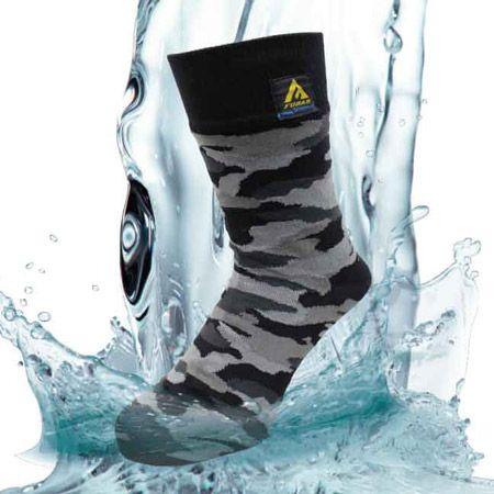 靴下が……防水だって!? 防水ソックス1つで、外レジャーが見違える