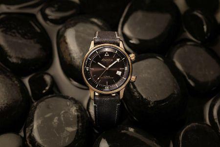激動の歴史の裏に潜む職人魂。『アルピナ』の腕時計がプロに刺さるわけ 2枚目の画像