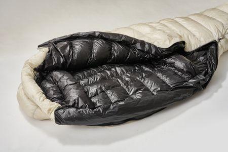 """ナンガ独自の研究所から誕生した、""""究極""""のスリーピングバッグとは? 4枚目の画像"""