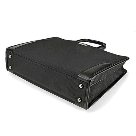 バッグは自立するタイプがベターです