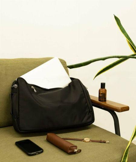 """容量:出張バッグにおいて""""大は小を兼ねる""""は通用しない"""