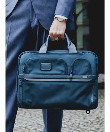ブリーフケース:ビジネスバッグの基本中の基本 2枚目の画像