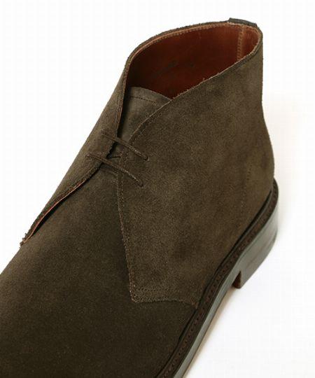 チャッカブーツはほかのブーツと混同しやすいので要注意