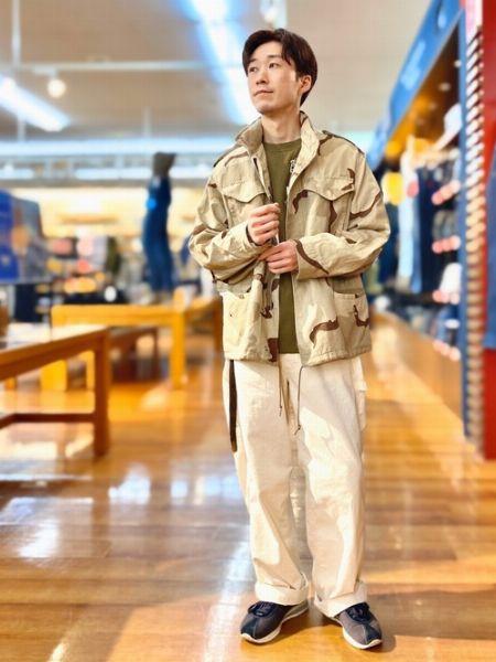 現代的な1着が欲しいなら。エポーレットなしのダーツなしがスマート