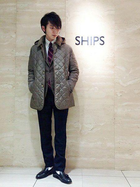 ▼ビジネススタイルに『ラベンハム』のキルティングジャケットを取り入れた好サンプル 2枚目の画像