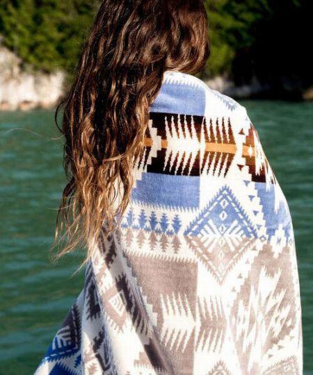 秋冬シーズンの羽織りモノとしても便利