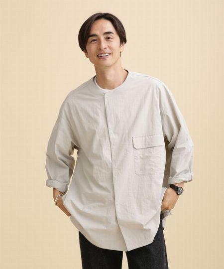 『センスオブプレイスバイアーバンリサーチ』ドライノーカラーシャツ