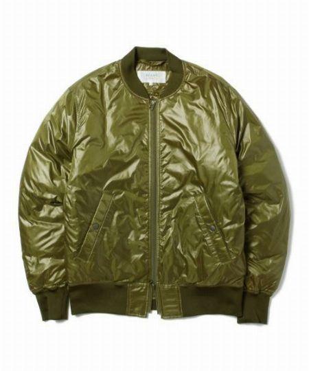『ビームスライツ』のMA-1ダウンシャツジャケット