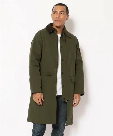 『バブアー』の新顔コートといえば。ロング丈の「ニューバーレー」はこう着こなす