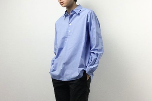 プルオーバーシャツで品良くリラックス。今の気分にハマる10選とコーデ術