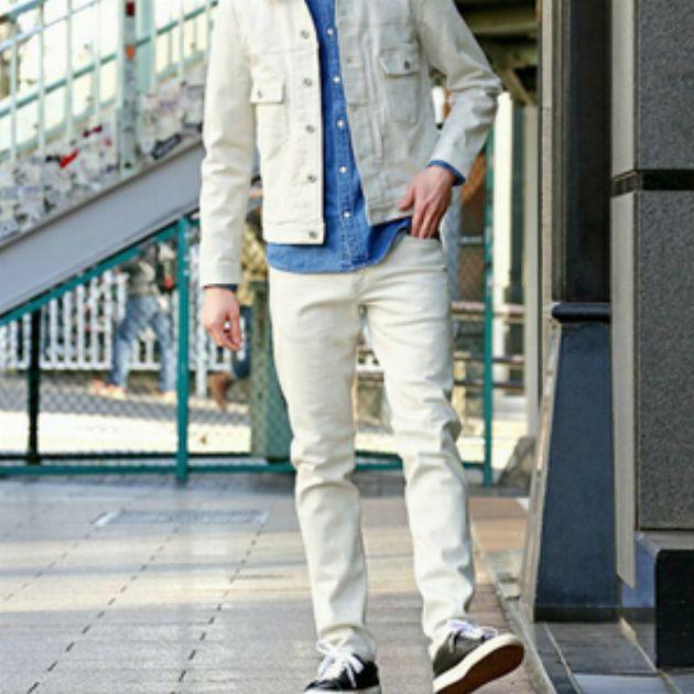 やっぱり初夏は白!メンズのホワイトデニム着こなし集