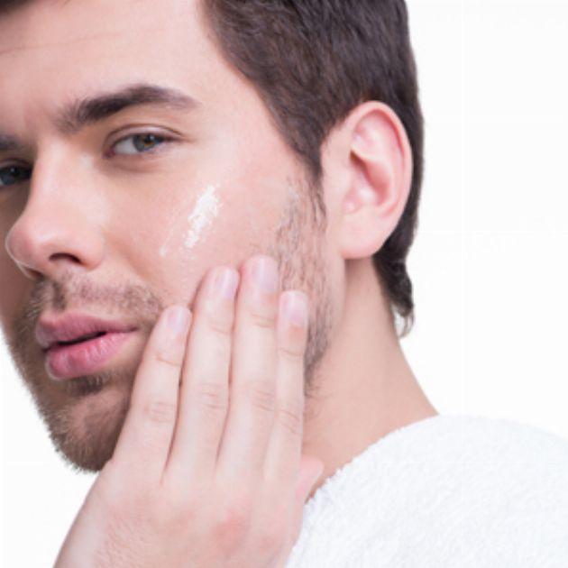 メンズ肌は意外と敏感?肌質別に考える最適の化粧水