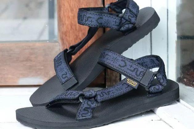 テバの人気サンダル12選。今履きたい狙い目モデルと参考コーデ