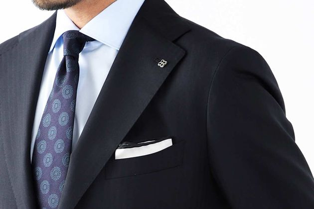 ポケットチーフのおしゃれな折り方5選。柄別におすすめブランドも紹介!