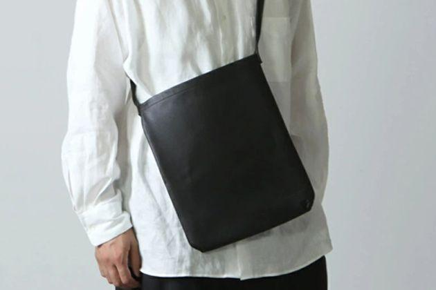 ショルダーバッグの人気ブランド20選。欲しいのはナイロンorレザー?
