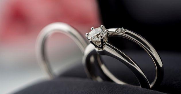 給料1ヵ月分が現実的。20万円から手が届く婚約指輪ブランド10選