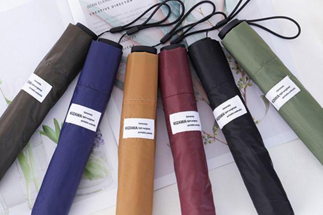 おしゃれな折りたたみ傘でビジネスシーンをスマートに。 バッグに忍ばせたいブランド10選