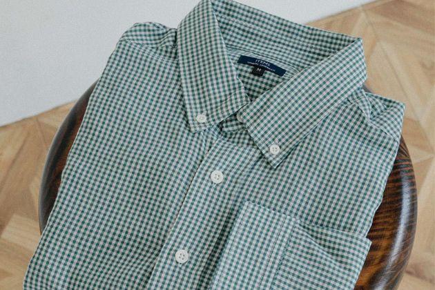 大人の万能着。ギンガムチェックシャツの最新コーデ術