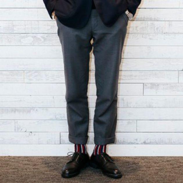 組み合わせ方がカギ。秋に試したい靴下×クロップドパンツ
