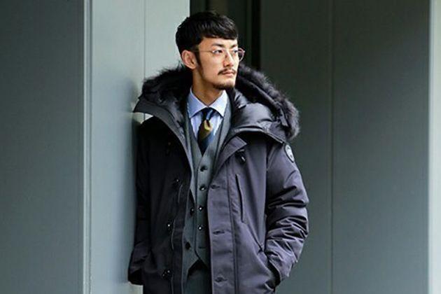 スーツに似合う。暖かでスマートなダウンコートはビジネスマンの救世主