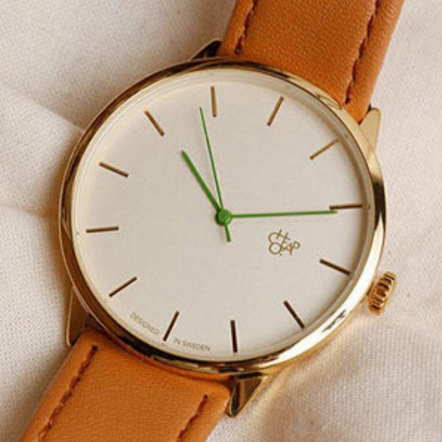 春の休日コーデにおすすめ。ファッション腕時計