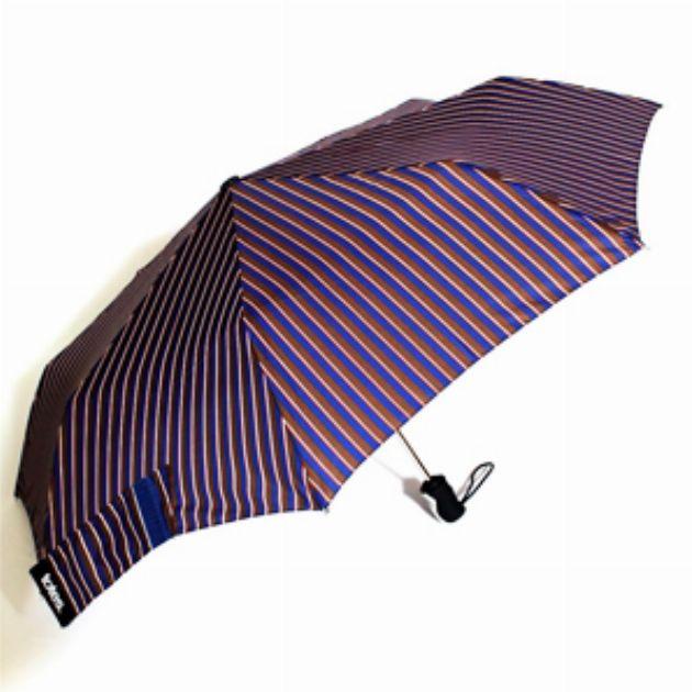 バッグに忍ばせておきたい機能的な折りたたみ傘