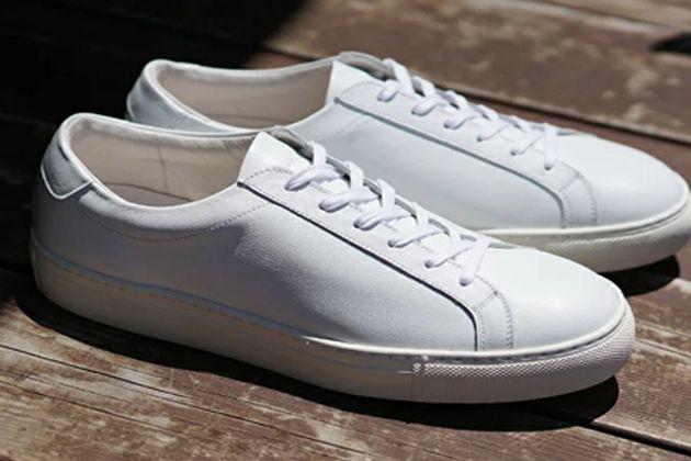 白スニーカー厳選15足。大定番&人気ブランドの新作をレコメンド